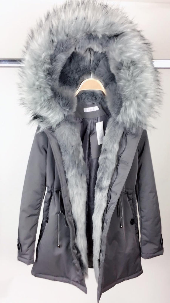 FUREVER PLUSH COAT (DARK SILVER)