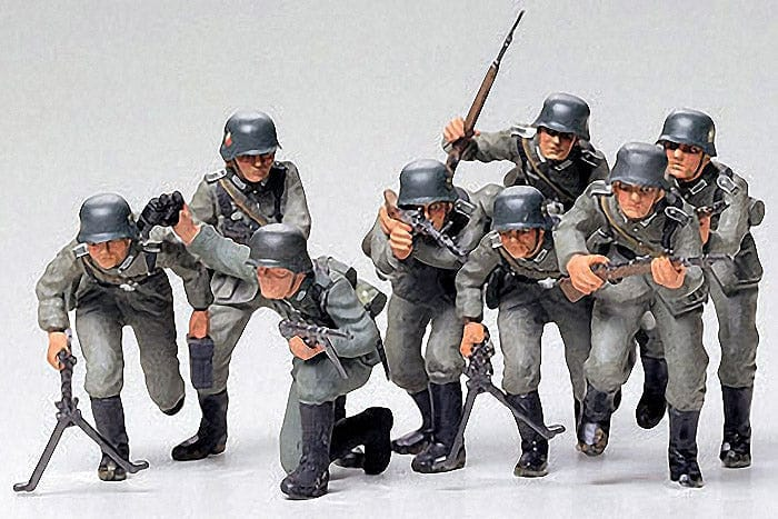 TMIYA 35030 German Assault Troops Kit - CA130 - RUI YONG HOBBY