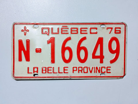Quebec 76' Licence Plate