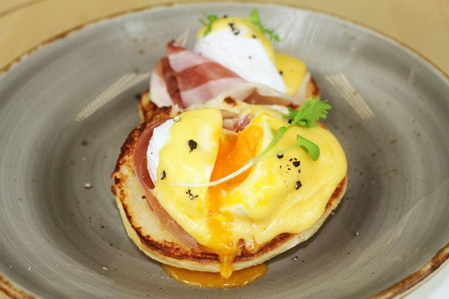 Eggs Benedict with Prosciutto