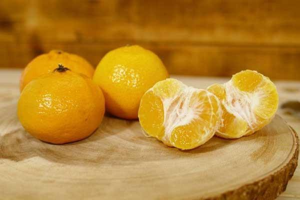Little Farms Produce Imperial Mandarin (EACH) Produce > Fruit