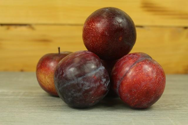 Little Farms Produce Red Plums - 200g Produce > Fruit