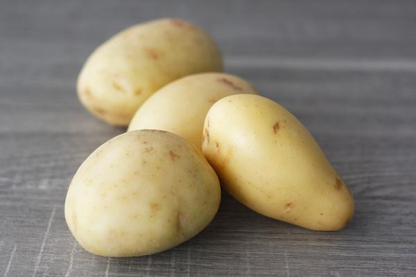 Little Farms Produce Washed Potatoes 1 kg* Produce > Vegetables