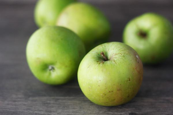 Organic Fresh Organic Granny Smith Apples 1kg* Produce > Fruit