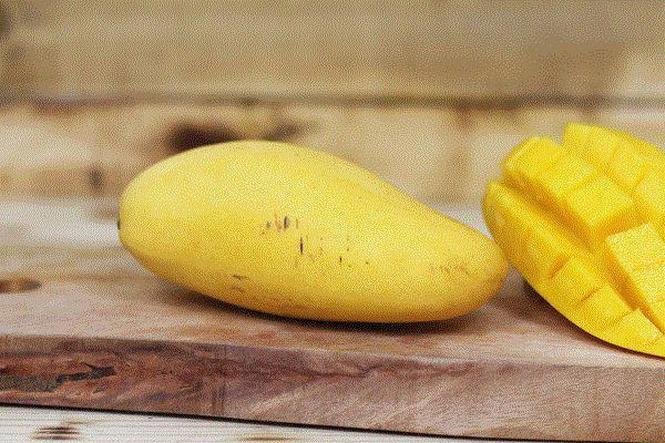 The Humble Grocer Australian Mango TPP (each) Produce > Fruit