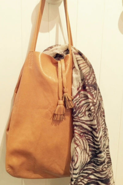 West Tote Large
