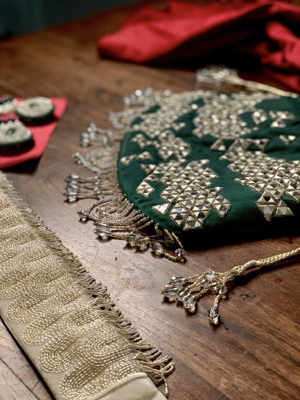 Emerald Green Mirror Work Potli Bag - Ozel Bir Sey