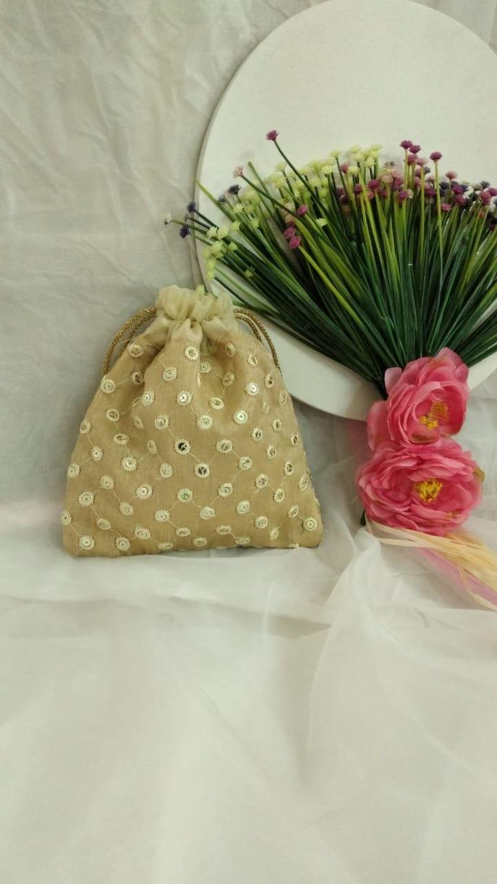 Set of 10 assorted favor bags