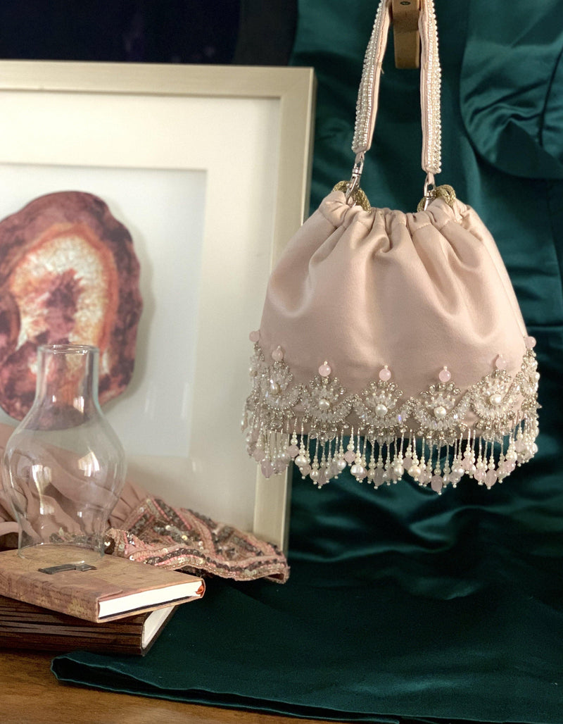 Mahtab Light Pink Chandbali Bag - Ozel Bir Sey