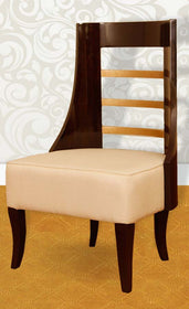 touchwood-interior-2-armchair-with-round-table