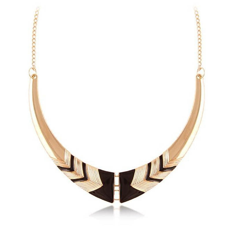 Fashion Vintage Alloy Crescent Personality Short Collar Necklace wholesale Jewelry