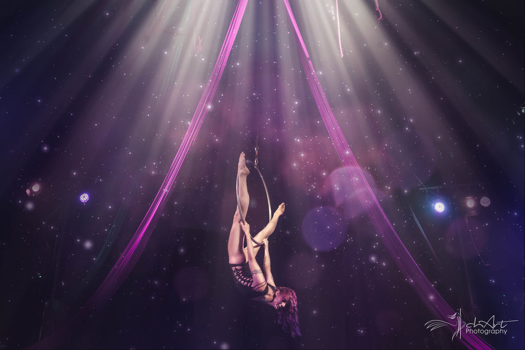 Aerial hope classes par studio lift off frankfurt flexmonkey polewear
