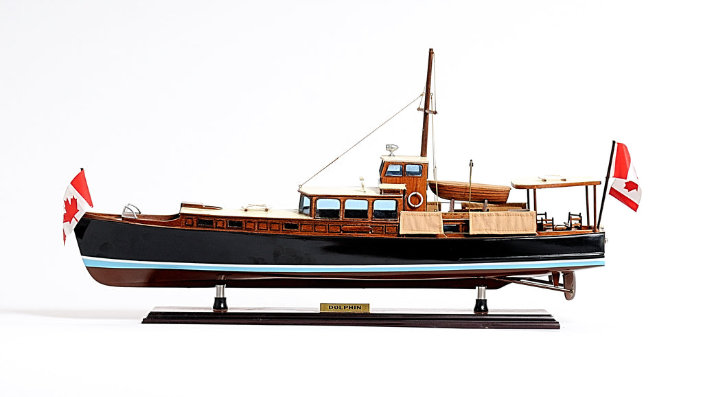 The Yacht Dolphin Model Boat