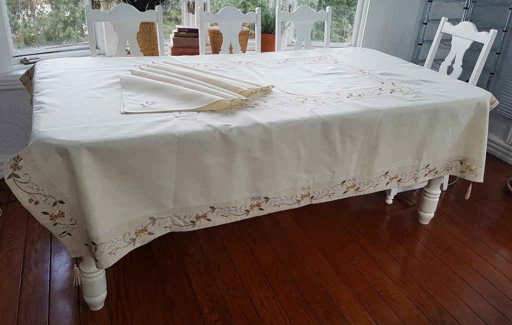 Vintage Spanish Linen Embroiderd Table Cloth with Tassels and Serviettes
