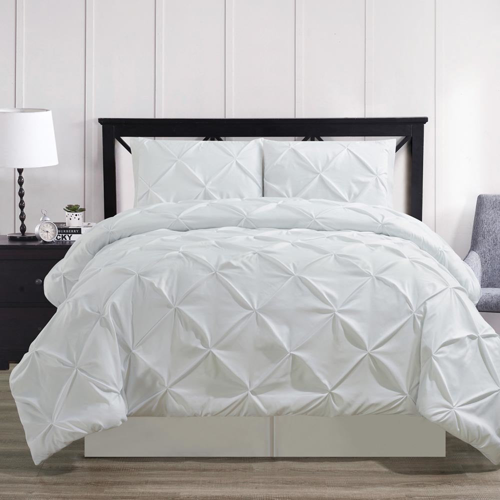 Luxury Soft Pinch Pleated Comforter Set in White