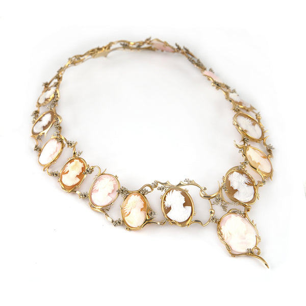 Shell Cameo Necklace in 18k Gold - Montreal gold Jewelry