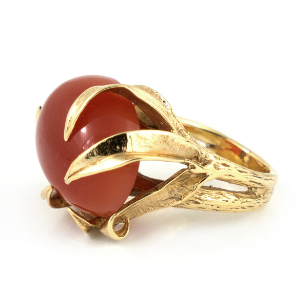 Vintage Carnelian Ring in 14k Yellow Gold Leaf setting - Daisy Exclusive Estate Jewellers Montreal