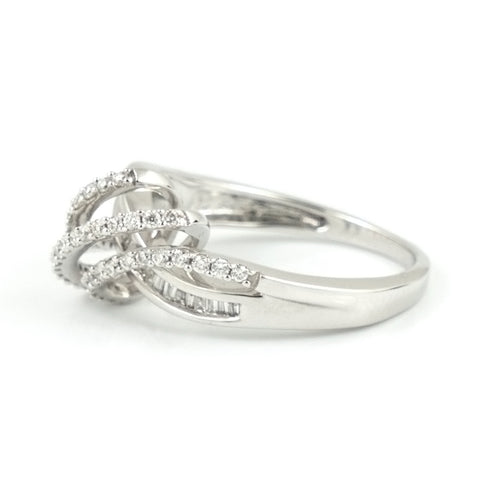 Crossover Diamond Ring - Daisy Exclusive Estate Jewellers Montreal
