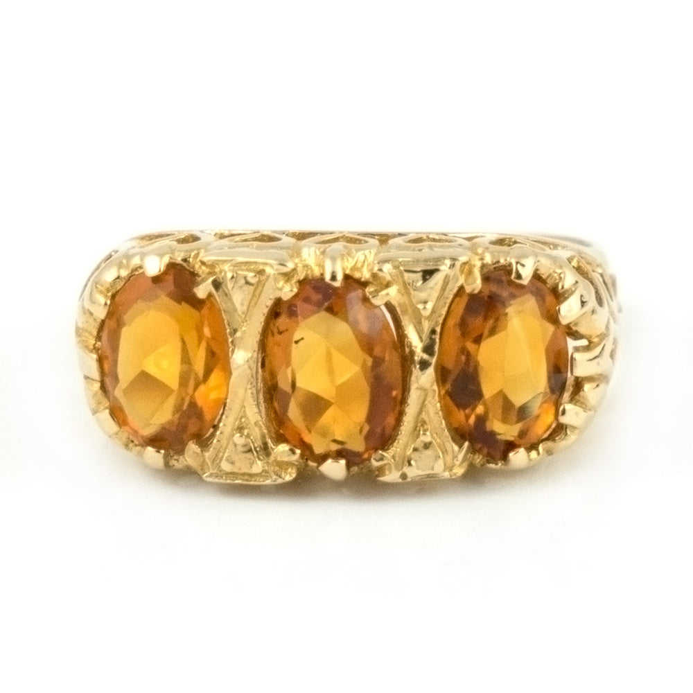 Vintage English c. 1934-35 Three stone Citrine Ring in Yellow Gold - Daisy Exclusive Estate Jewellers Montreal
