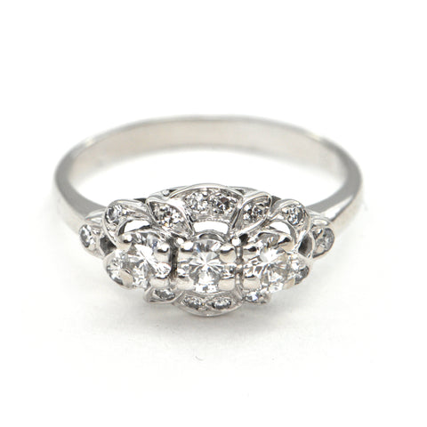 0.70 ct Diamond ring 18k Circa 1950 - montreal estate jewellers