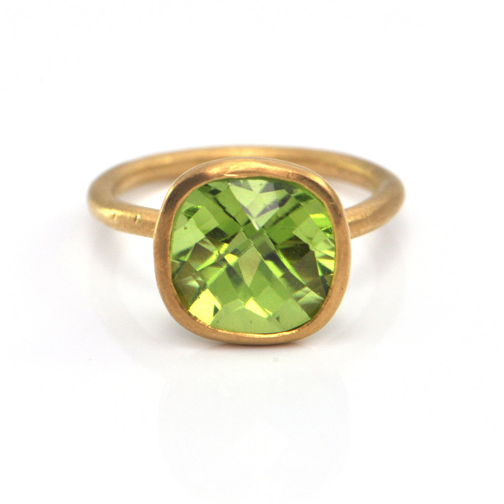 5.08 CT Green Peridot and 22K Yellow Gold Ring + Montreal Estate Jewelers