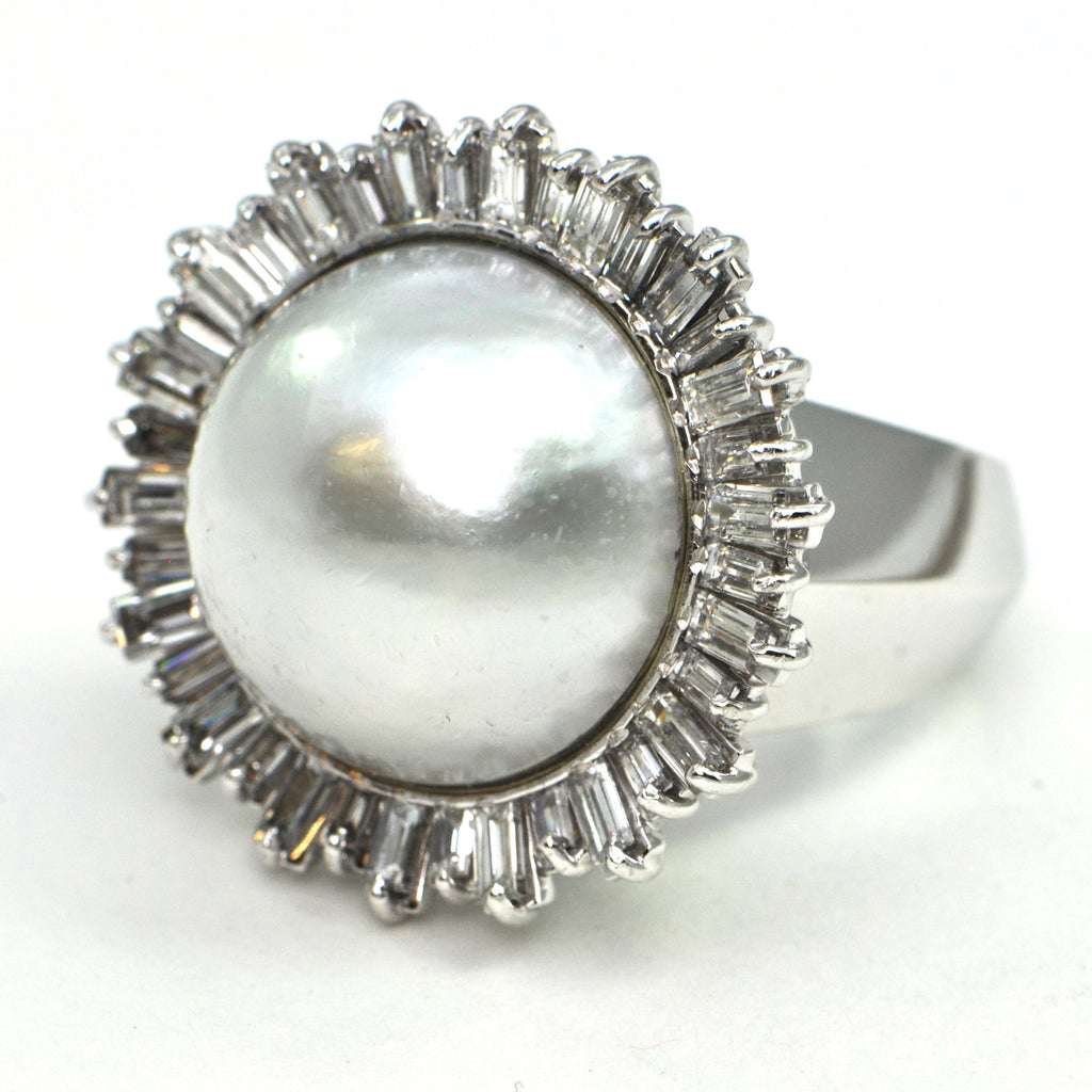 Mabe Pearl and Diamond 18k ring Circa 1960's - montreal estate jewellers