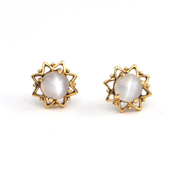 Moonstone 18k yellow gold stud earrings, montreal jeweller, westmount