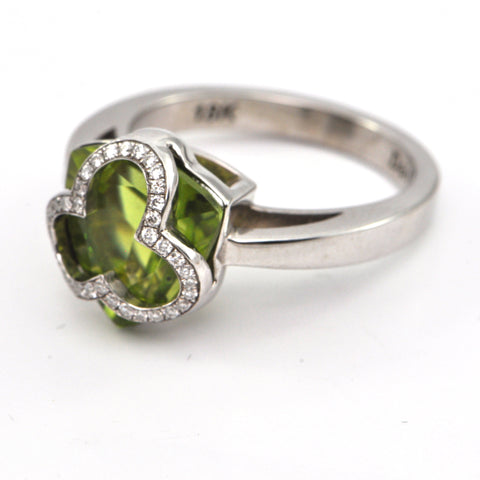 5.2ct Peridot Trillion 18k Ring by Daisy Exclusive, montreal jewellers, westmount