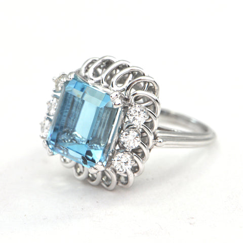 6.01 ct Emerald cut Aquamarine and diamond cocktail ring Circa 1980 - Daisy Exclusive - Montreal estate jewellers