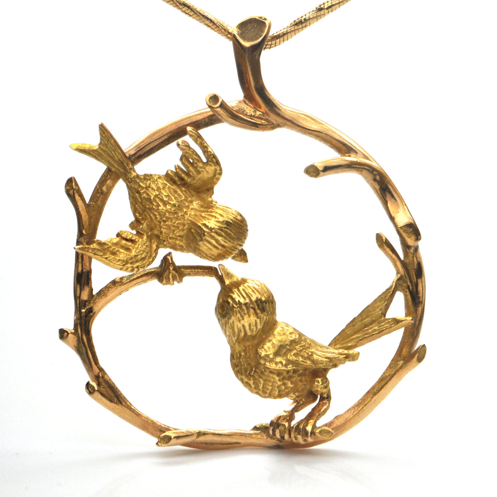 Vintage 18k Yellow Gold Birds in Wreath Pendant + Montreal Estate Jewelers