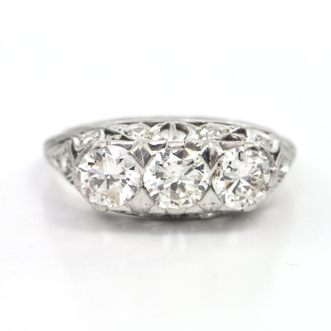 1.61 CT Late Edwardian Three Stone Diamond Ring c.1920, montreal estate jewellers