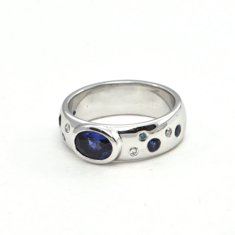 Modern 0.95ct Sapphire and diamond 18k band - Montreal estate jewellers