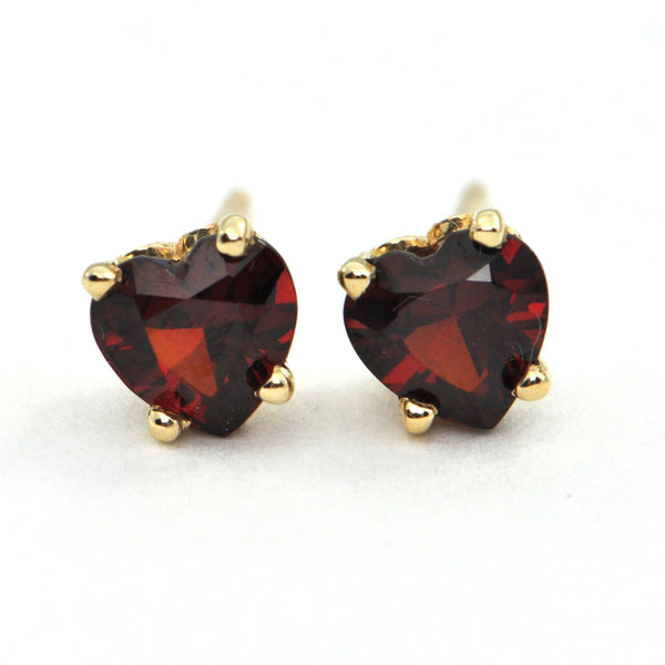 1.6 ct Red Garnet Heart stud earrings - montreal jeweller - Daisy Exclusive