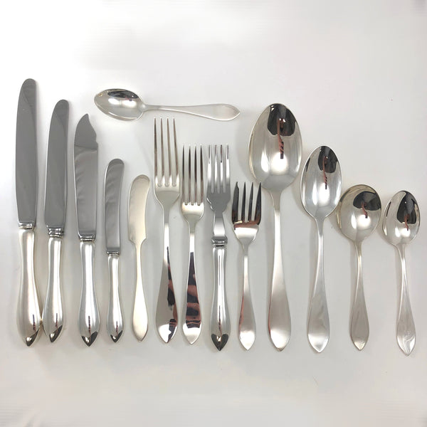 Henry Birks and Sons Tudor plain silverware - Westmount, Montreal - Daisy Exclusive