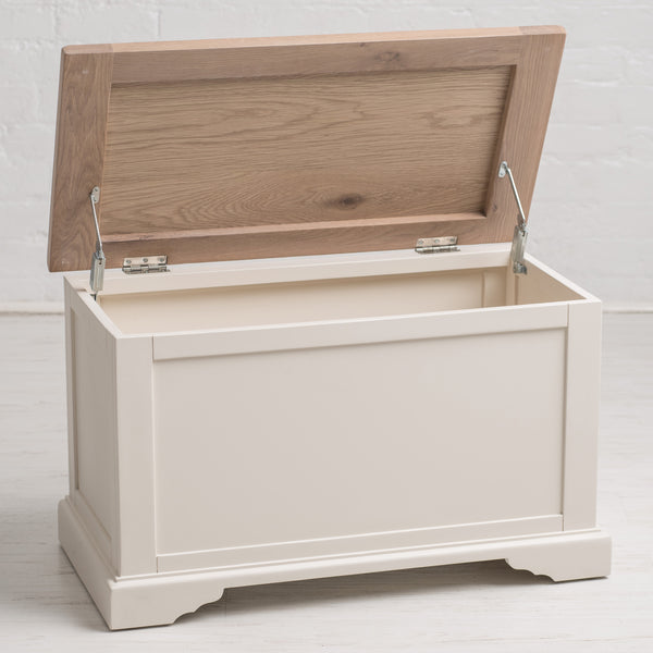 Faversham Blanket Box In Old White