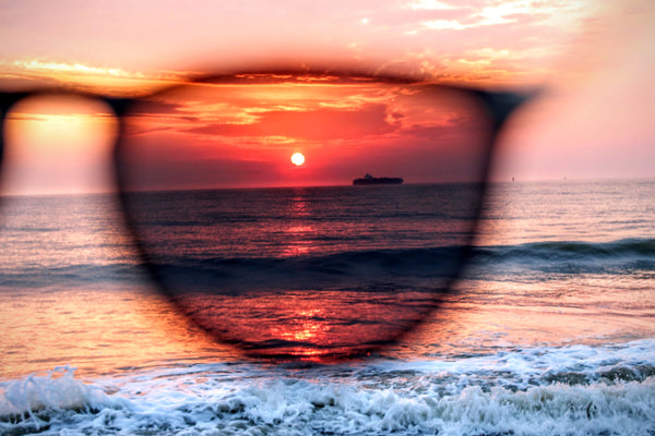 3469f546a8 Polarized vs Non-Polarized Sunglasses. What s the Difference