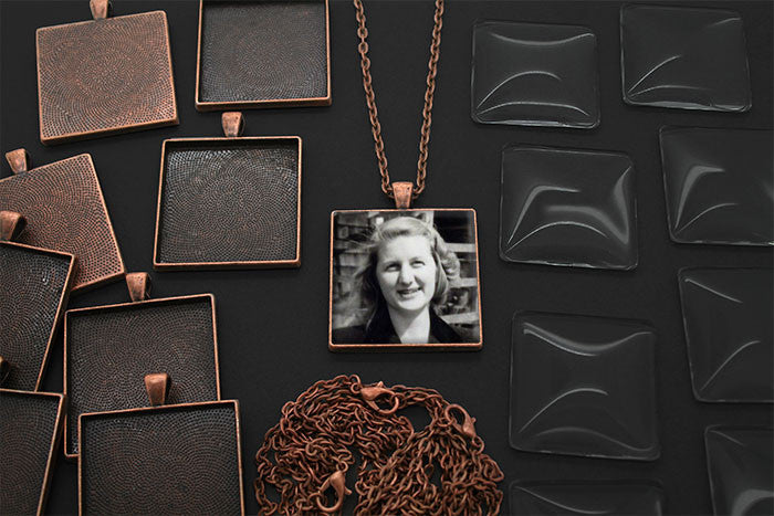 20 Pack Large Copper Square Photo Jewelry Pendants w/ Glass 1 1/4 inch and Link Chains