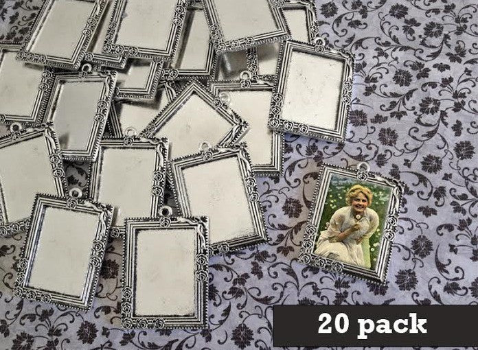 25X35mm Rose Frame Pendant Tray in Antique Silver with key chain and glass