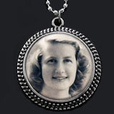 Instant Makes 20 Vintage Photo Jewelry Necklace Kit