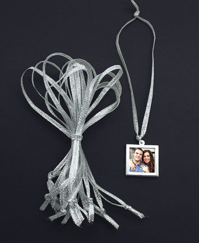 100 Pack Hand Tied Silver Ribbons Wedding Favors
