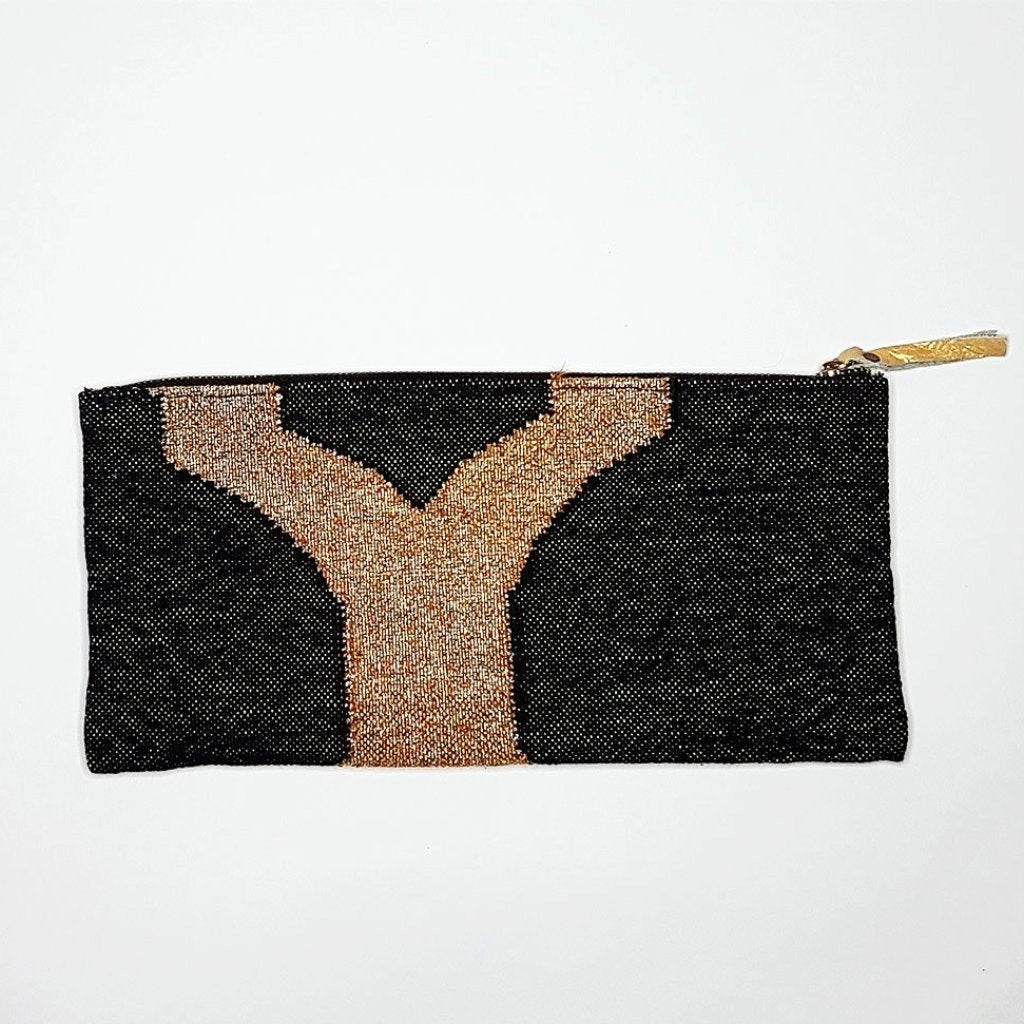 Hot Haveli eartha dhurrie clutch black and gold