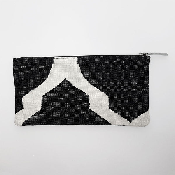 hot haveli eartha dhurrie clutch black and white