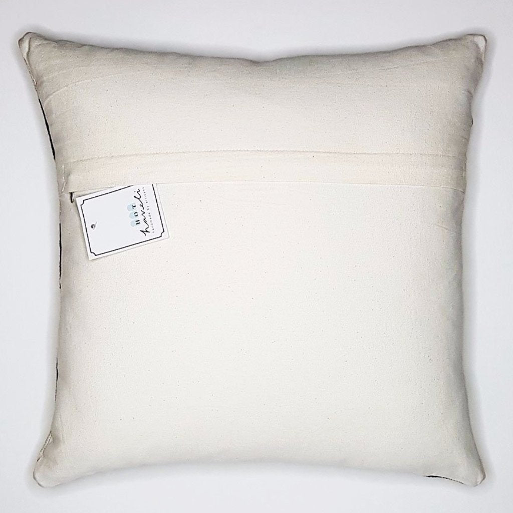 hot haveli fabia dhurrie cushion monochrome reverse