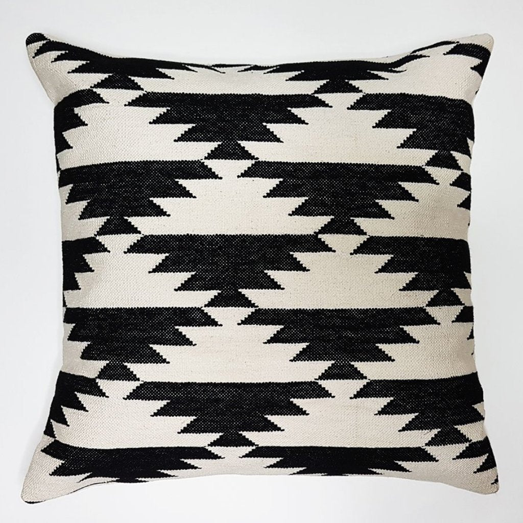 hot haveli fabia dhurrie cushion monochrome