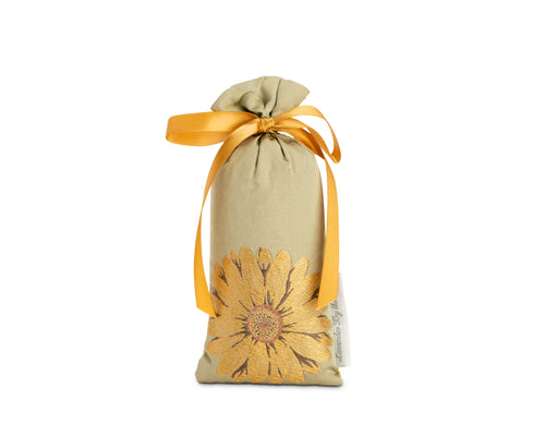 Silk daisy sachet - Lavender by the Bay