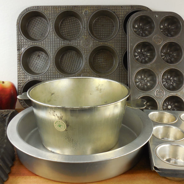 shop buy vintage steel tin aluminum bakeware pans for sale