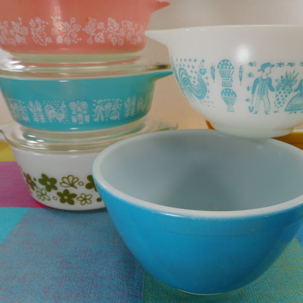 Pyrex Glass - Vintage