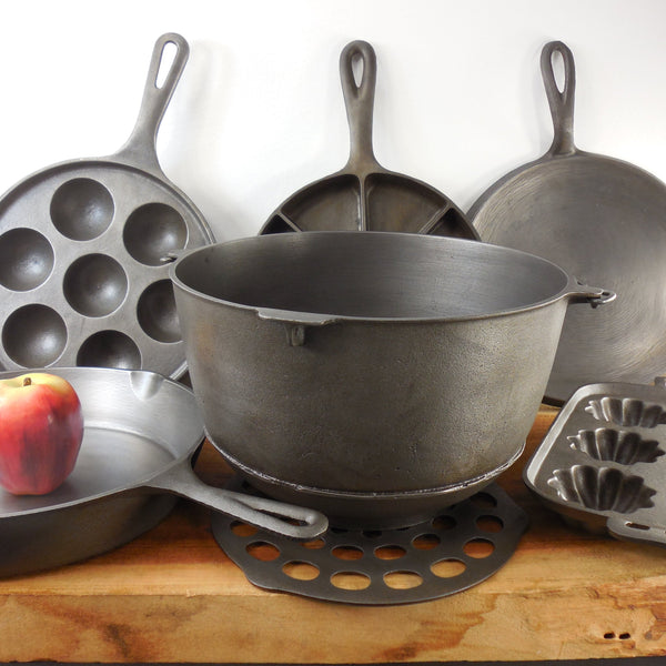 Cookware - Natural Cast Iron - Vintage & Antique