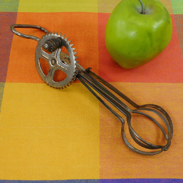 A&J Antique Patent 1923 Metal Egg Beater