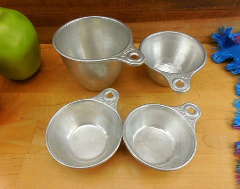 Aluminum Measuring 4 Cup Nesting Set - Vintage Farm House Country Kitchen Utensil Tool